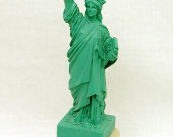 Vtg Colbar Art Mini Statue of Liberty New York Figurine 1989 6 inch Resin Tourist Souvenir Mold Casting