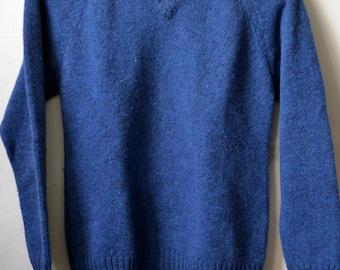 Vtg. ISLE KNITS SHETLAND Heathered Royal Blue Shetland Wool V-Neck Sweater Size 38 S Small Made in Scotland