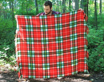Vintage 70s Eaton Plaid Arcylic Trapper Cabin Blanket Made in Italy