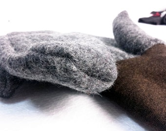 mittens in boiled wool with wrists in stretch wool