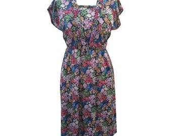 1970s floral print silky vintage tea dress