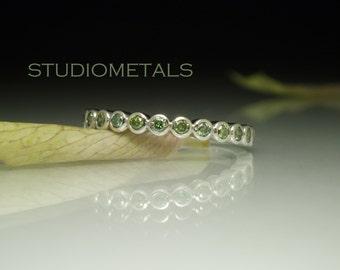Green Diamond Ring, Diamond Wedding Band, Diamond Bubble Ring, Bezel Diamond Band, 2mm Wedding Band, Diamond Bezel Ring, Unique Band, R535