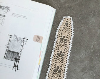 Crochet bookmark textmark lace School Gift for mom sister friend teacher Home decor cream
