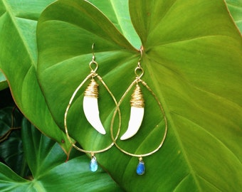 Labradorite and Coyote Tooth Teardrop Gold Hoops, Hammered Earrings, 14 K Gold Earring Hooks