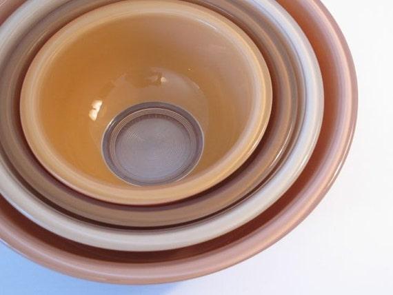 vintage pyrex nesting bowl set mixing bowls glass bowl set of. Black Bedroom Furniture Sets. Home Design Ideas