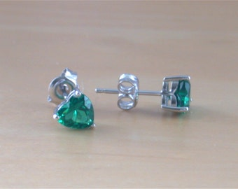 925 Emerald (Lab Created) Heart Earrings/Emerald Stud Earrings/Emerald Jewelry/Emerald Jewellery/Heart Stud Earring/May Birthstone/Heart