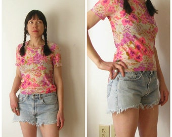 Vintage 70's Flower Power Top / 1970s Pink and Purple Short Sleeve Shirt Small