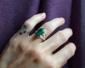 Estate Vintage Raw Green Emerald Faceted Gemstone Ring Marquise Shape 925 Sterling Silver High Setting. Double Band. Bohemian. Ethnic. Boho