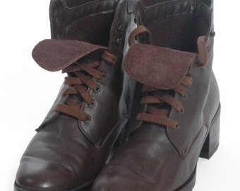 Vintage Brown Leather Lace Up Ankle Boots 6 - www.brickvintage.com