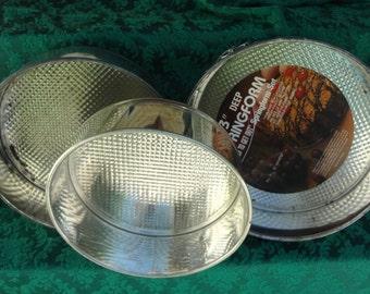 Set of Three (3) Bake-N-Shape Steel SPRINGFORM BAKING PANS 8 1/2'', 9 1/2'', 10'' Diameter