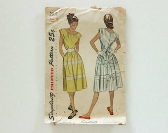 Simplicity 2071 · sz 15, bust 33 · 1940s Dress Pattern