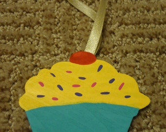 Personalized Wooden Cupcake Ornament