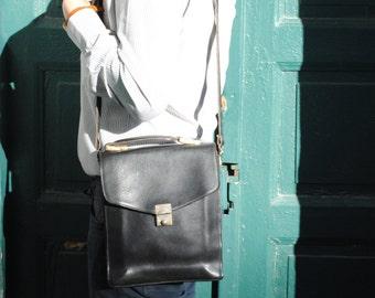 Mens leather bag, leather bag mens, black leather bag, vintage leather bag, 70s leather bag, mens leather bag