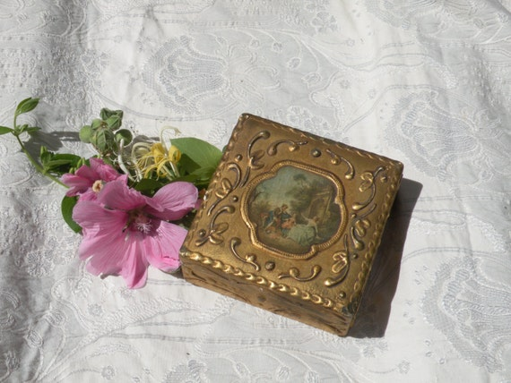 Small French antique wooden box. Ornate trinket box. Shabby chic wooden box. French vintage box. Romantic French box. small antique box, box