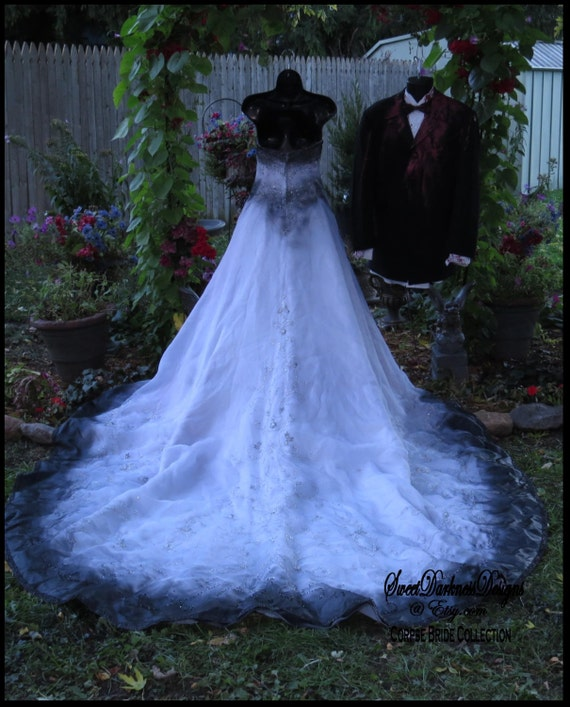 Halloween Wedding Dresses: CORPSE BRIDE Zombie Bride Tim Burton Wedding Dress Vampire