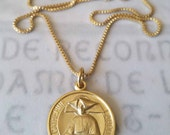Necklace - St Catherine Labouré - 20mm - 18K Gold Vermeil - 18 inch Gold Plated Box Chain