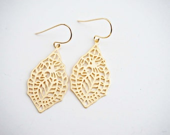 Gold Filagree Paisley Pattern Earrings