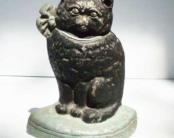 Vintage Cast Iron Cat / Kitten / Iron Doorstop / Black Kitten with Green Eyes sits on a pillow