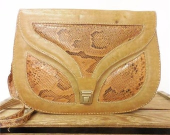 Vintage Italy Tan Leather Snakeskin Inlay Exotic Disco Saddle Bag Shoulder Purse