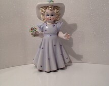 Vintage Large Figurine Girl in Bonnet and Flower's
