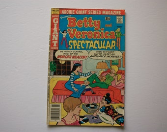 Archie Giant Series Comic Book - Betty and Veronica Spectacular - Archie Comic no. 470  - vintage comics