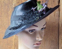 Vintage french Women straw hat with silk bouquets of violets, 1940s