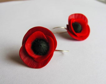 Handmade poppy earrings! Red poppy earrings, polymer clay poppies, handmade poppies, unique earrings