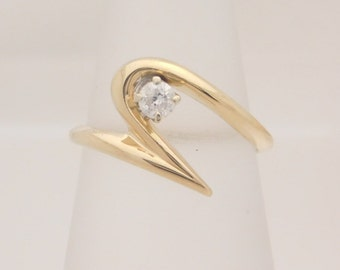 0.15 Carat Ladies Round Cut Diamond Solitaire Ring 14K Yellow Gold