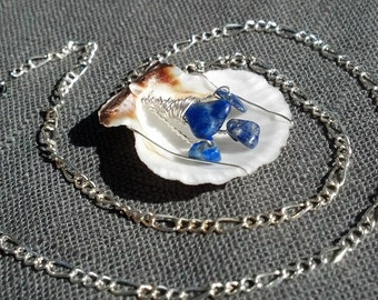 Scallop shell necklace with Lapis Chips, Seashore necklace