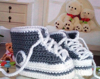 Baby Shower Gift Newborn baby booties, knitted baby booties, baby shoes, handmade, hand knitted baby booties in white and grey color