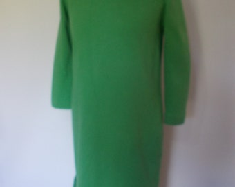 Vintage dress 60s heavy green wool jersey  dress with long sleeves and polo neck  size large