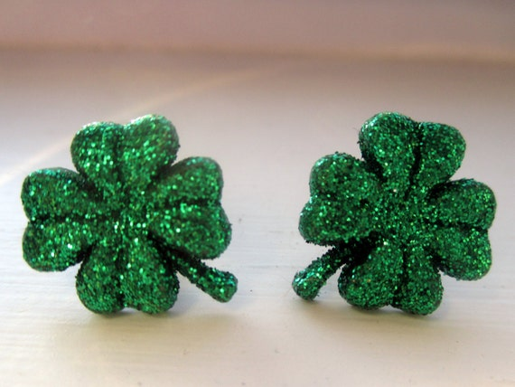 st patricks day earrings green shamrock studs four leaf