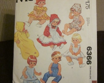 McCalls 6366 Wardrobe For Baby Dolls Carefree Pattern Size 15 1/2 - 17 - Uncut 1976