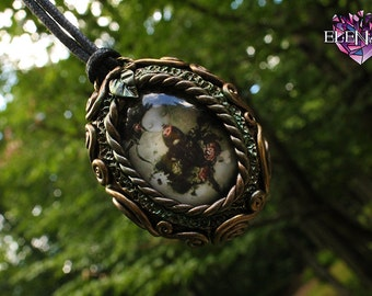 Glass Shrub Girl Cameo Necklace