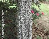 VINTAGE Button-Down DRESS, Linen/Rayon, 90s does 30s, BROWN Floral Print Midi Duster, White Flowers, Boho Hippie Retro Grunge, Festival, s/m