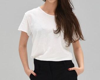 Elegant and casual look t-shirt E-NIGM@ white