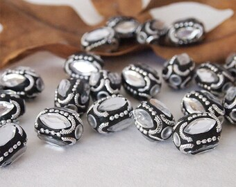 4 Kashmiri Beads Large Oval Handmade Clay Ethnic Beads Silver Black Size 21 x 17mm Hole 3mm