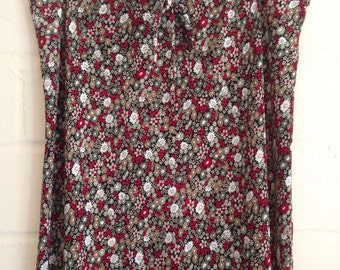 CLEARANCE! Vintage 90s grunge daisy print maxi skirt / red floral skirt  / small floral print / xl