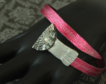 SALE - Hot Pink SMASHED aluminum metal knitting needle Bangle with smashed BUTTONS... recycled vintage boho gypsy style