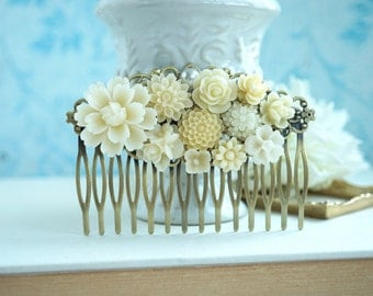 Wedding Comb, Large Ivory Floral Comb, Ivory white Flower Bridal Comb. Rustic Ivory Wedding Bridal Wedding Comb, Large Floral Collage Comb