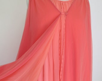 VENUS // incredible 1960s multi layered two piece negligee in shades of coral / OSFM