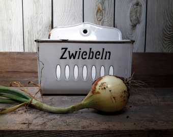 GERMAN VINTAGE Enamel Onion basket from the 1920s