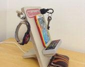 Nintendo NES Universal Cell Phone Charging Dock Stand Organizer