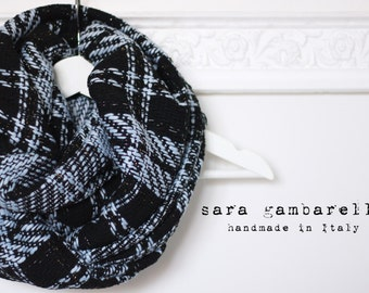 PLAID INFINITY SCARF. Black and light blue tweed scarf. Chunky scarf. Black check infinity scarf. Wool blend circle scarf. Women gift idea