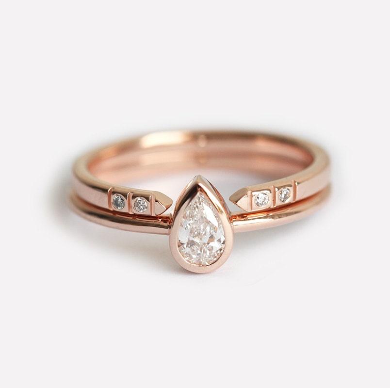 Assez Rose Gold Diamond Engagement Ring. Gia Certified 1 Carat Cushion  KH78
