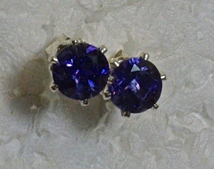 Iolite Stud Earrings, 5mm Round, Natural, Set in Sterling Silver E970