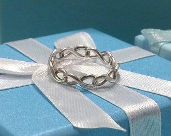 Tiffany Co. Sterling Silver Infinity Ring Size 5 1/4 Figure Eight 8 Band 925 T Co