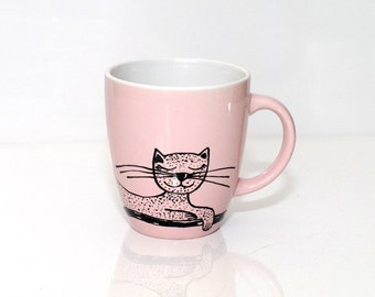 Hand painted mug Cat decor Cat teacup Cat ceramics mug Tasse katze Pink cat mug Painted mug Coffee cups with cats Cat tea cup for cat lovers