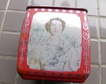 Edward Sharp & Sons Ltd of Maidstone, Kent Queen Elizabeth Prince Tin, 1950's Royal tin Vintage 1953 Edward Sharp and Sons Bisquet box