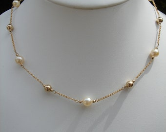Gold chain with Akoya-growing beads, 750 goldfilled